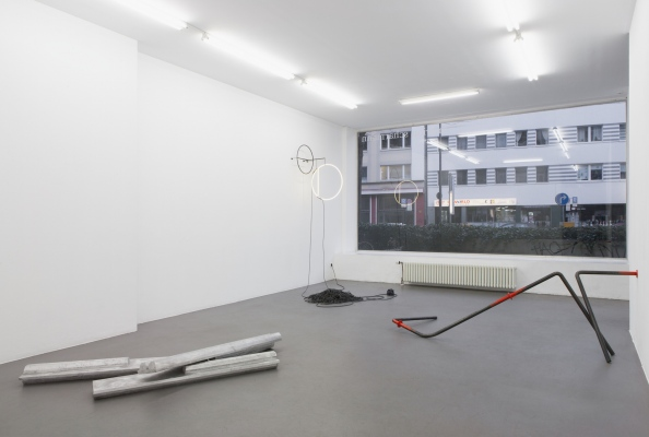 Installation view Between Here And Now, Gallery Marion Scharmann, Cologne