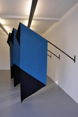 Figure of Three / Blue Version 2011 Installation view Ricou Gallery, Brussels